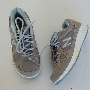 New Balance Walking Sneaker Shoe
